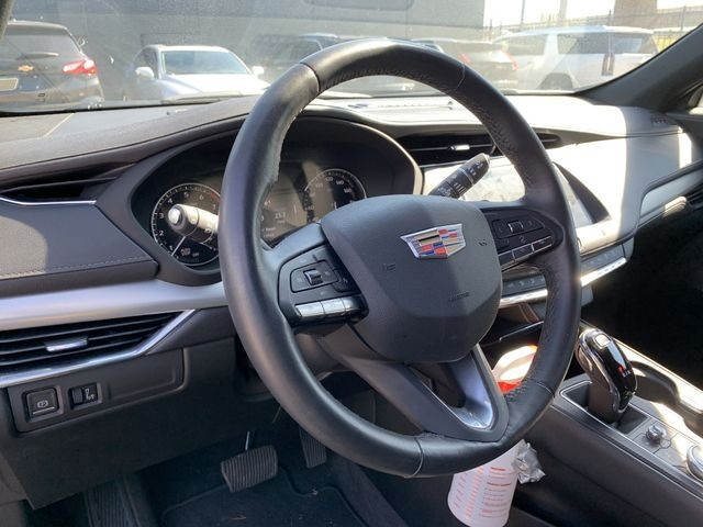 Cadillac XT4 2020 price $33,990