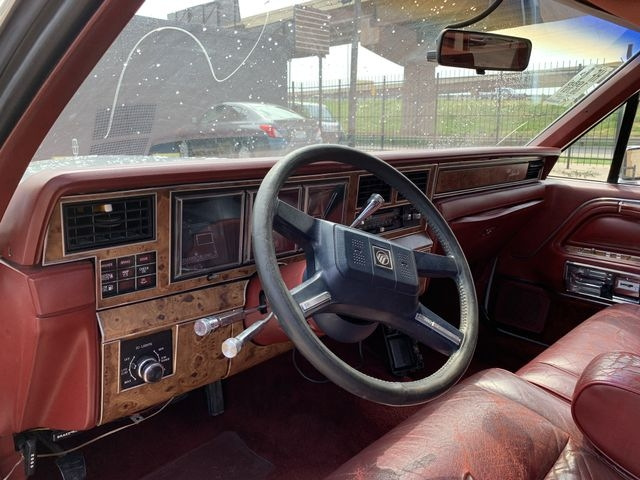 lincoln town car 1986 price $6,490