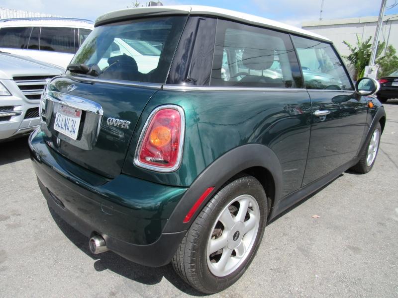 Mini Cooper Hardtop 2007 price $6,788
