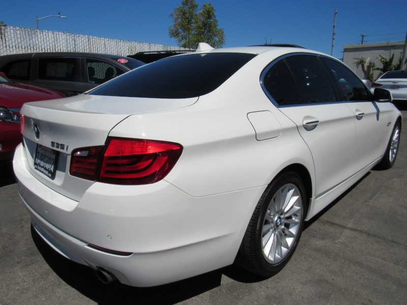BMW 5-Series 2011 price $15,888