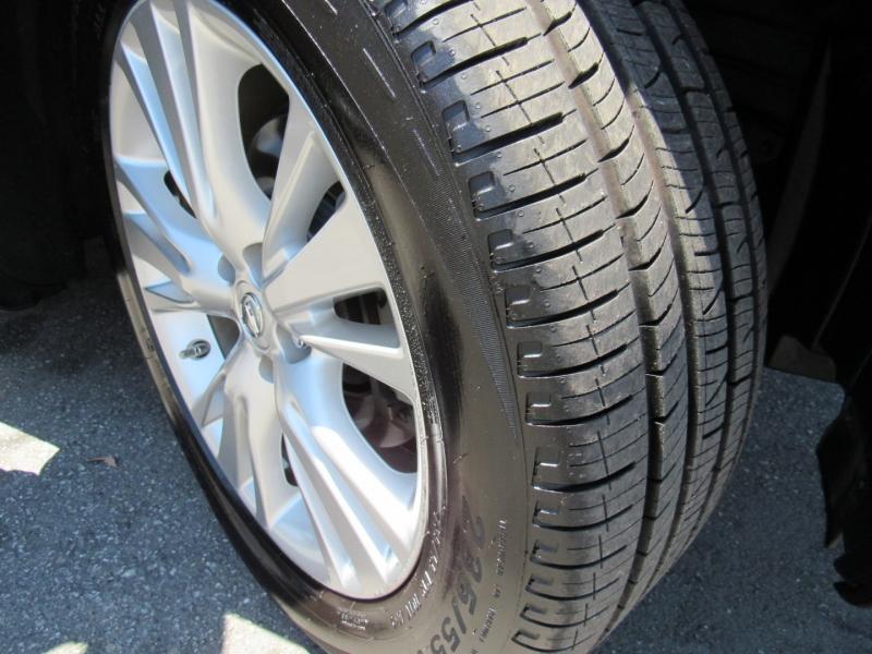 Lexus RX 450h 2012 price $15,888