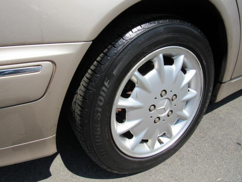 Mercedes-Benz E320 2001 price $4,888