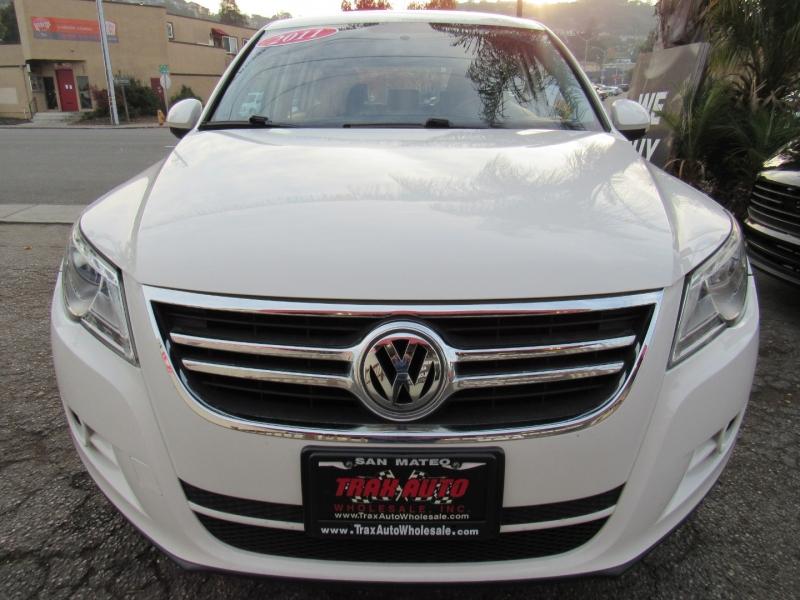 Volkswagen Tiguan 2011 price $8,777