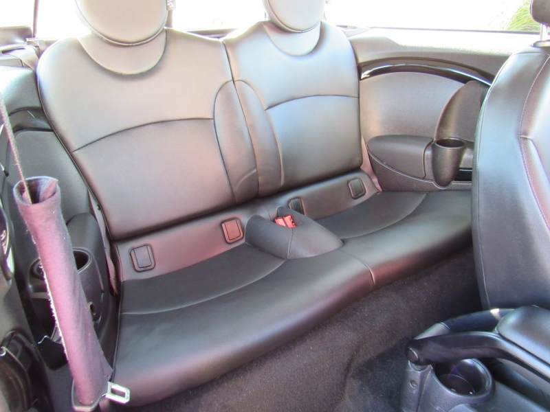 Mini Cooper Clubman 2012 price $8,888