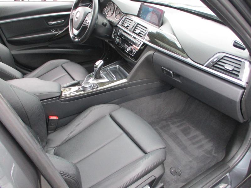 BMW 3-Series 2016 price $18,888