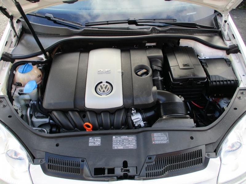 Volkswagen Rabbit 2009 price $6,888