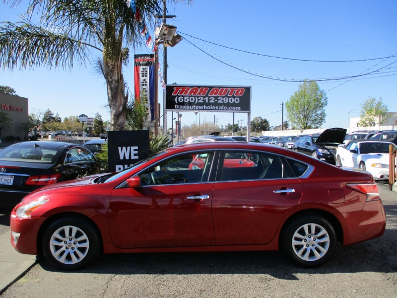Nissan Altima 2015 price $10,888