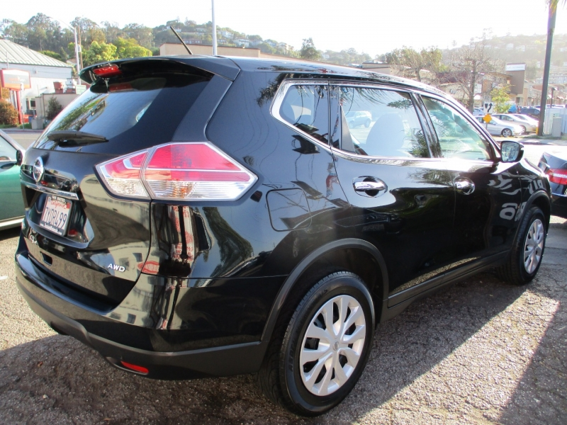 Nissan Rogue 2015 price $10,588