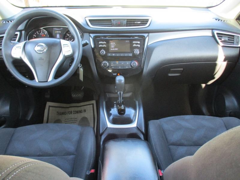 Nissan Rogue 2015 price $9,888