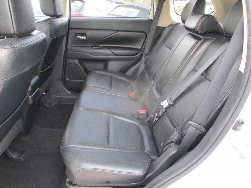 Mitsubishi Outlander 2014 price $9,888