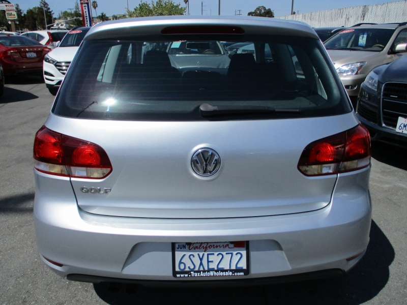 Volkswagen Golf 2011 price $8,888