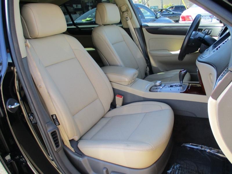 Hyundai Genesis 2012 price $9,888