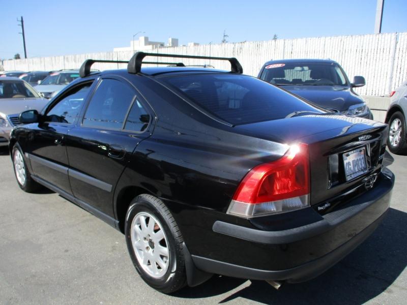 Volvo S 60 2001 price $6,888