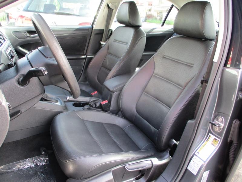 Volkswagen Jetta 2012 price $6,888