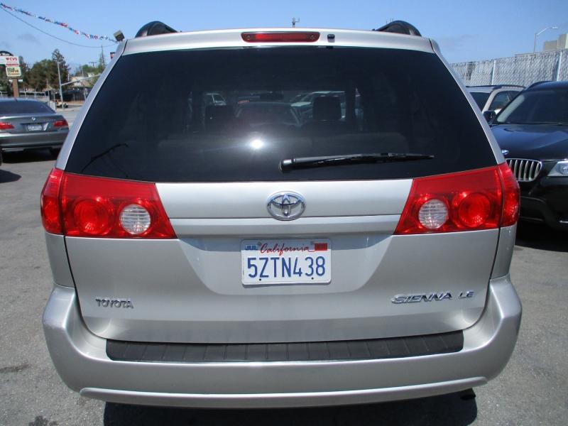 Toyota Sienna 2007 price $12,888