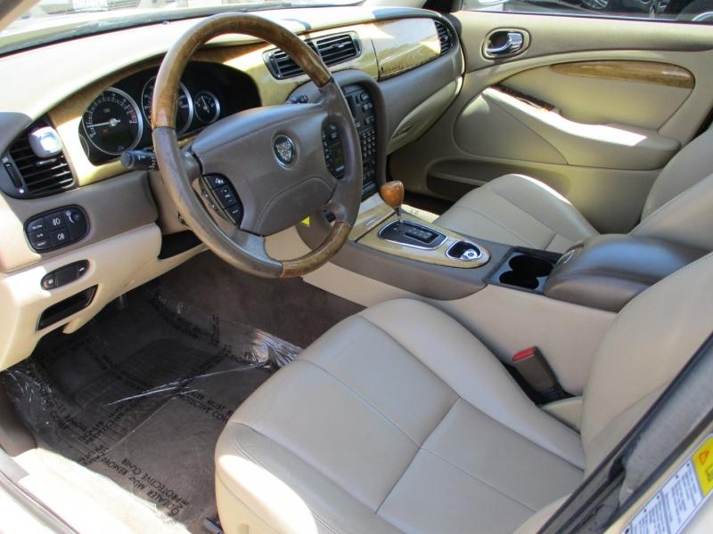 Jaguar S-TYPE 2005 price $7,888