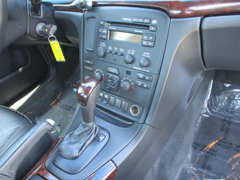 Volvo S 80 2004 price $6,588