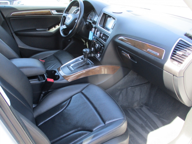 Audi Q5 2015 price $15,888