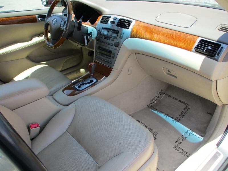 Lexus ES 330 2005 price $7,388