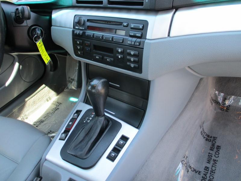 BMW 3-Series 2004 price $6,888