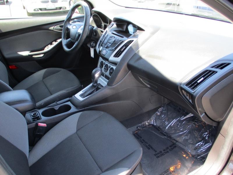 Ford Focus 2012 price $8,888