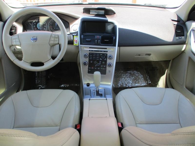 Volvo XC 60 2010 price $11,888