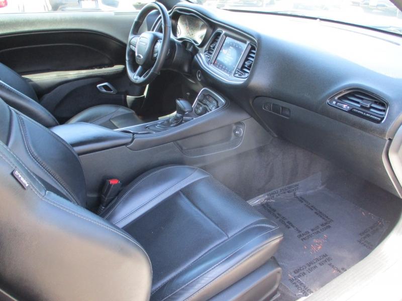Dodge Challenger 2018 price $32,888