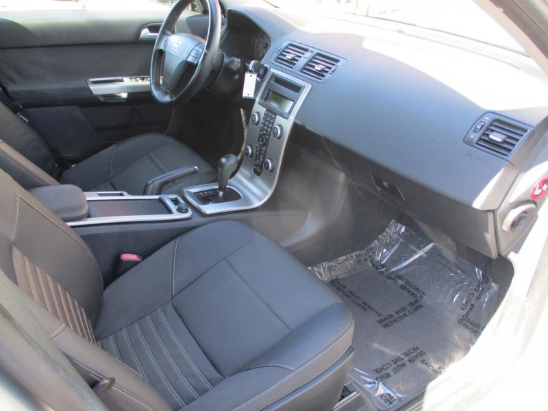 Volvo S 40 2009 price $8,888