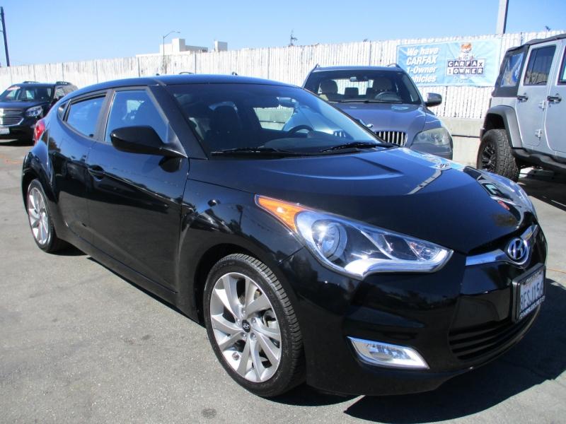Hyundai Veloster 2017 price $12,888