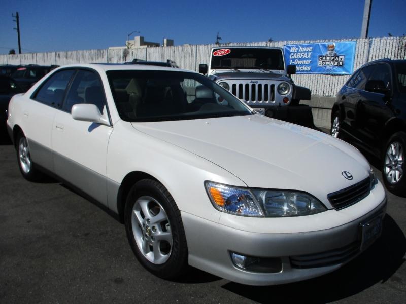 Lexus ES 300 2001 price $6,888