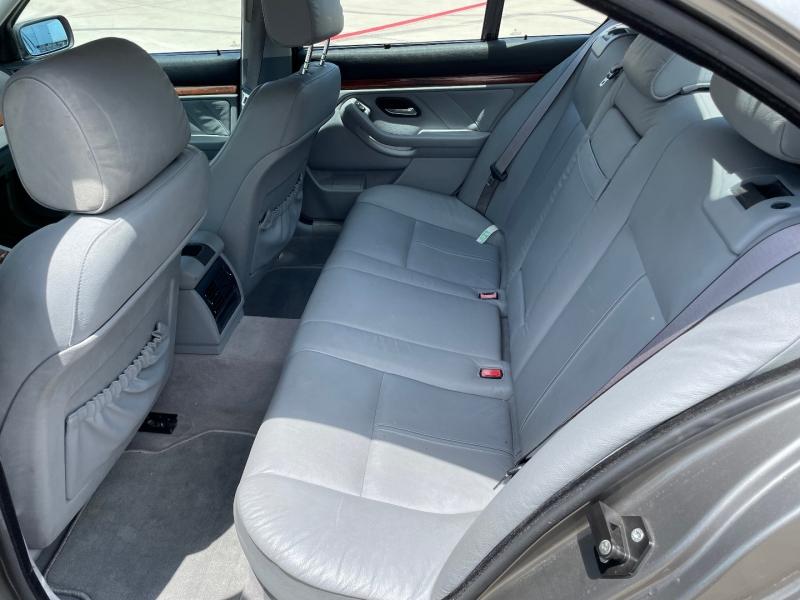 BMW 5-Series 2002 price $3,990