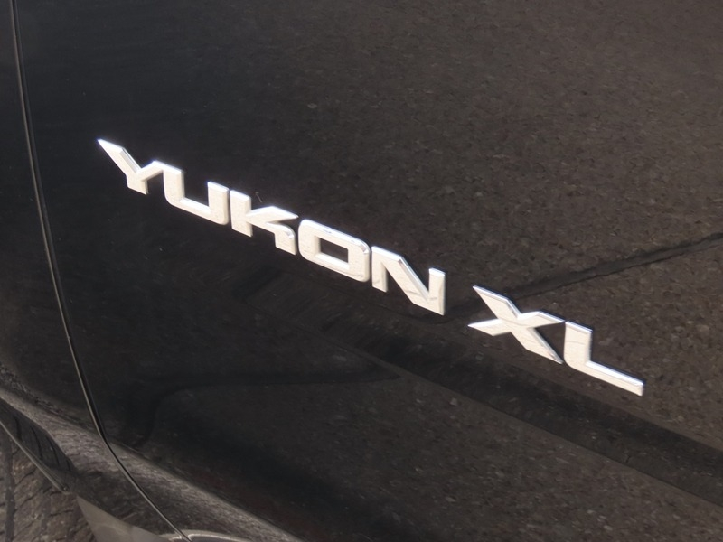 GMC Yukon XL 2015 price $29,950