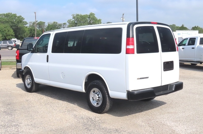 Chevrolet Express Passenger 2018 price $20,950