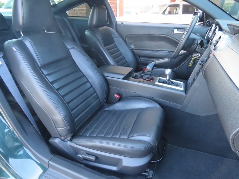 Ford Mustang 2009 price $32,500