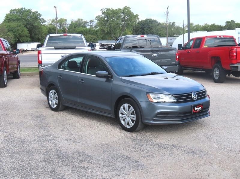 Volkswagen Jetta 2017 price $10,950
