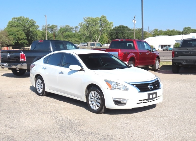 Nissan Altima 2014 price $11,950