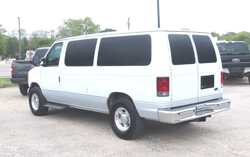 Ford Econoline Wagon 2007 price $13,950
