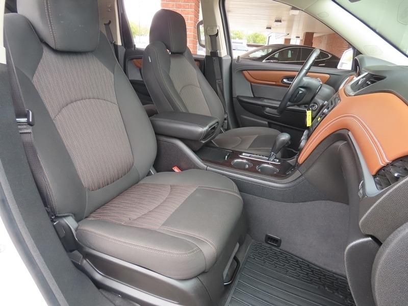 Chevrolet Traverse 2017 price $31,950