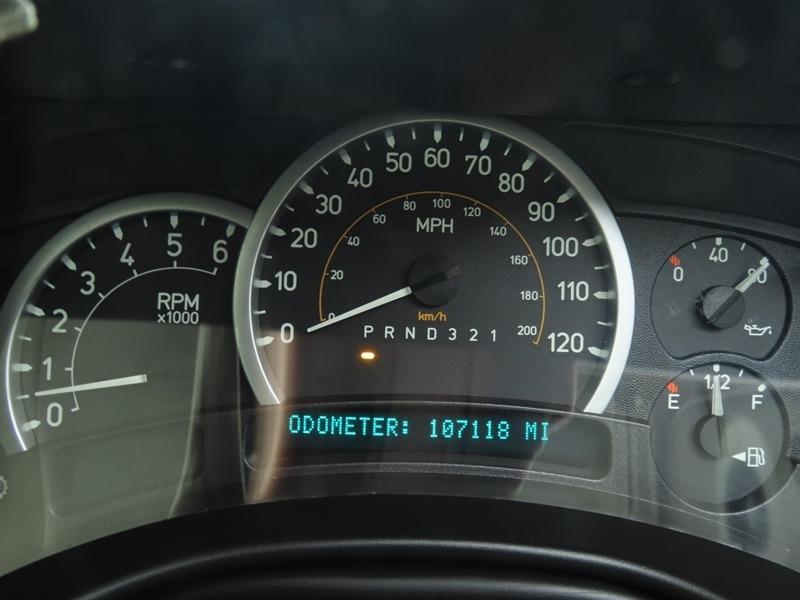 Hummer H2 2006 price $29,950