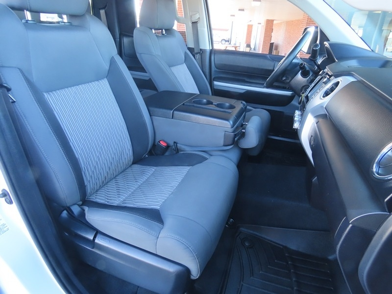Toyota Tundra 2WD Truck 2016 price $25,950