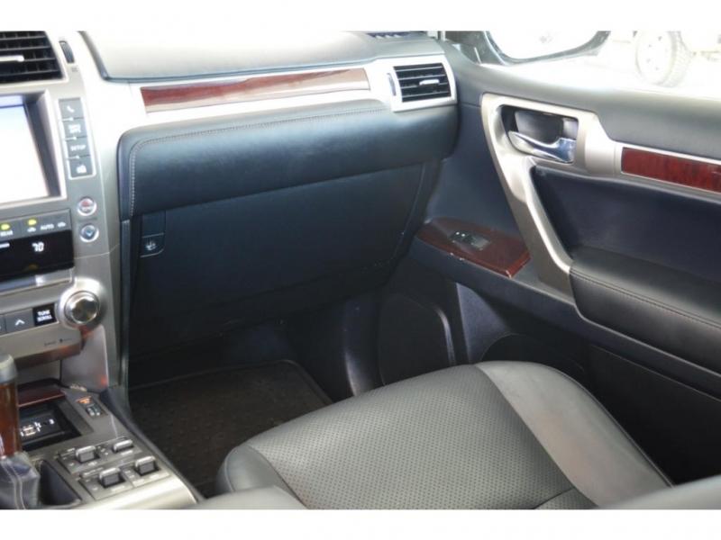 Lexus GX 460 2017 price $37,950
