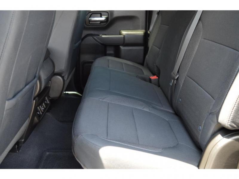 Chevrolet Silverado 2019 price $43,950