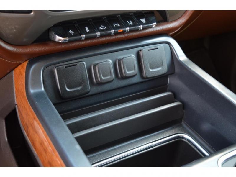 Chevrolet Silverado 2018 price $62,950