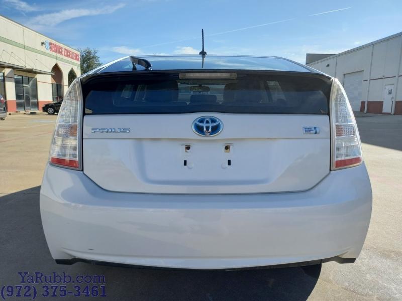Toyota Prius III Leather Clean CARFAX 2010 price $7,990