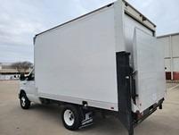 Ford E350 12 ft Box Truck w/Liftgate 2015 price $18,990