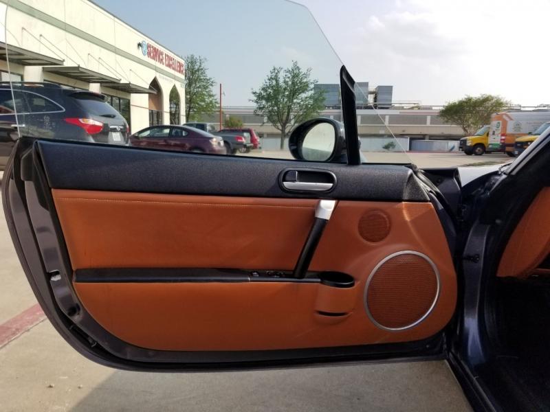 Mazda MX-5 2006 price $10,250