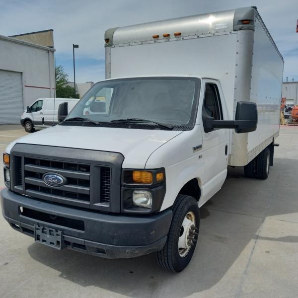 Ford E-350 16' Box Truck w/Ramp 2013 price $14,990