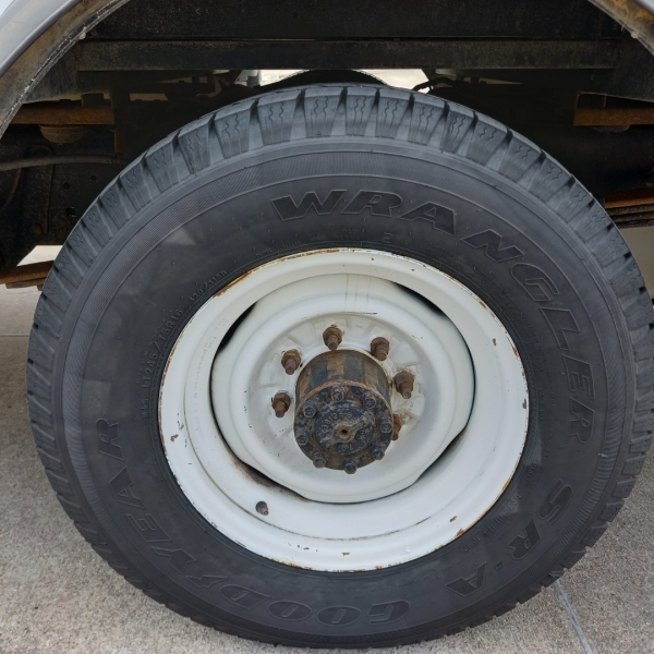 Ford E-350 Cutaway 12 Foot Box truck 2014 price $16,490
