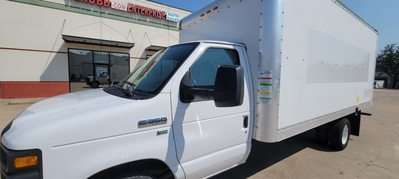 Ford E350 16 Ft Box Truck w/ Ramp 2013 price $18,990