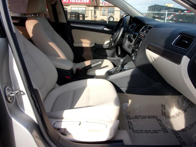 Volkswagen Jetta Sedan 2015 price $11,995